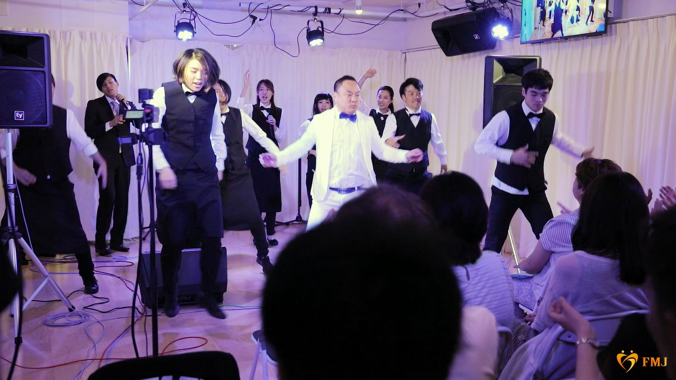 新郎ダンス