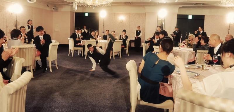 アクロバットダンス